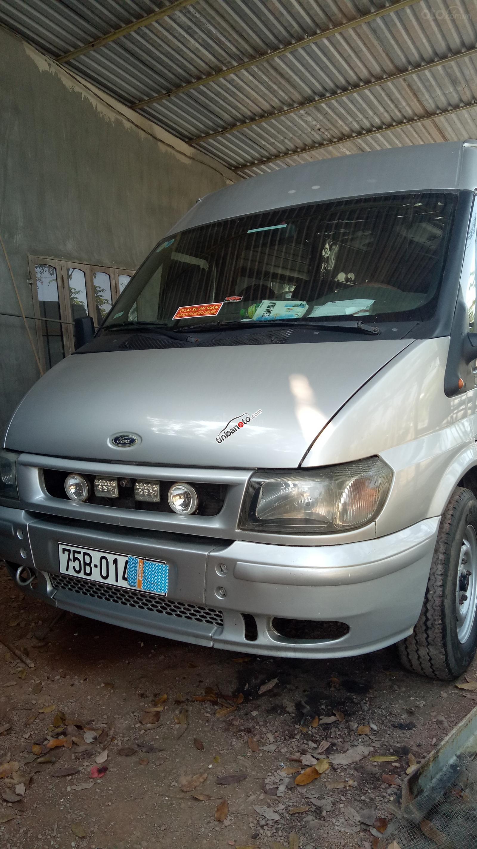 ban oto Nhap khau Ford Transit LX 2004