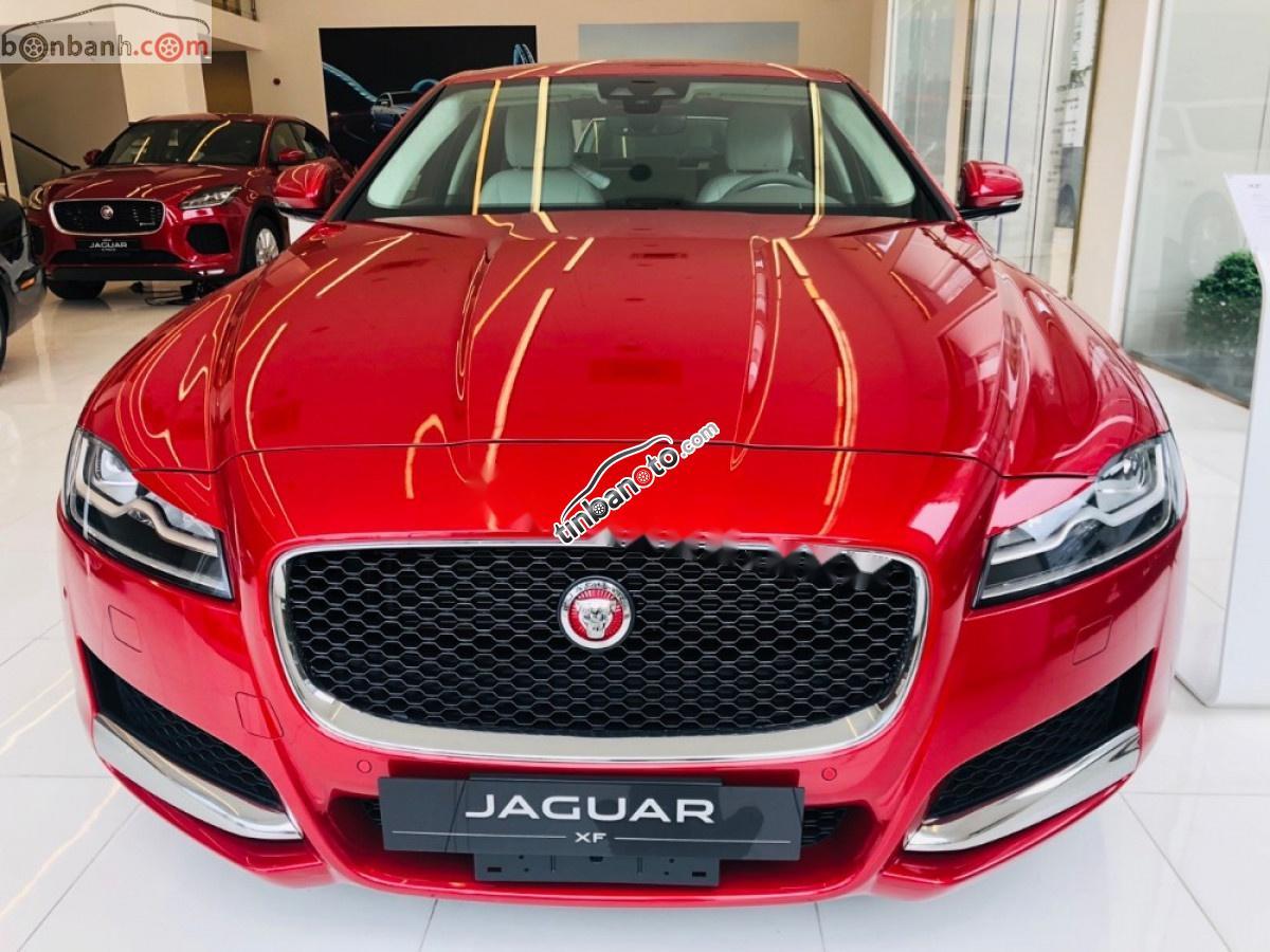 ban oto Nhap khau Jaguar XF  2018