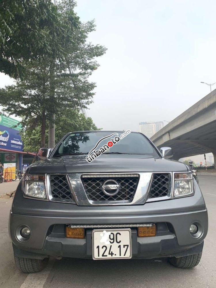 ban oto Nhap khau Nissan Navara   2012