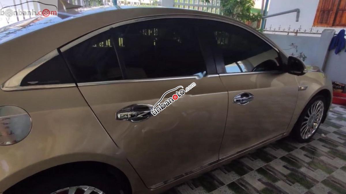 ban oto Lap rap trong nuoc Chevrolet Cruze   2010
