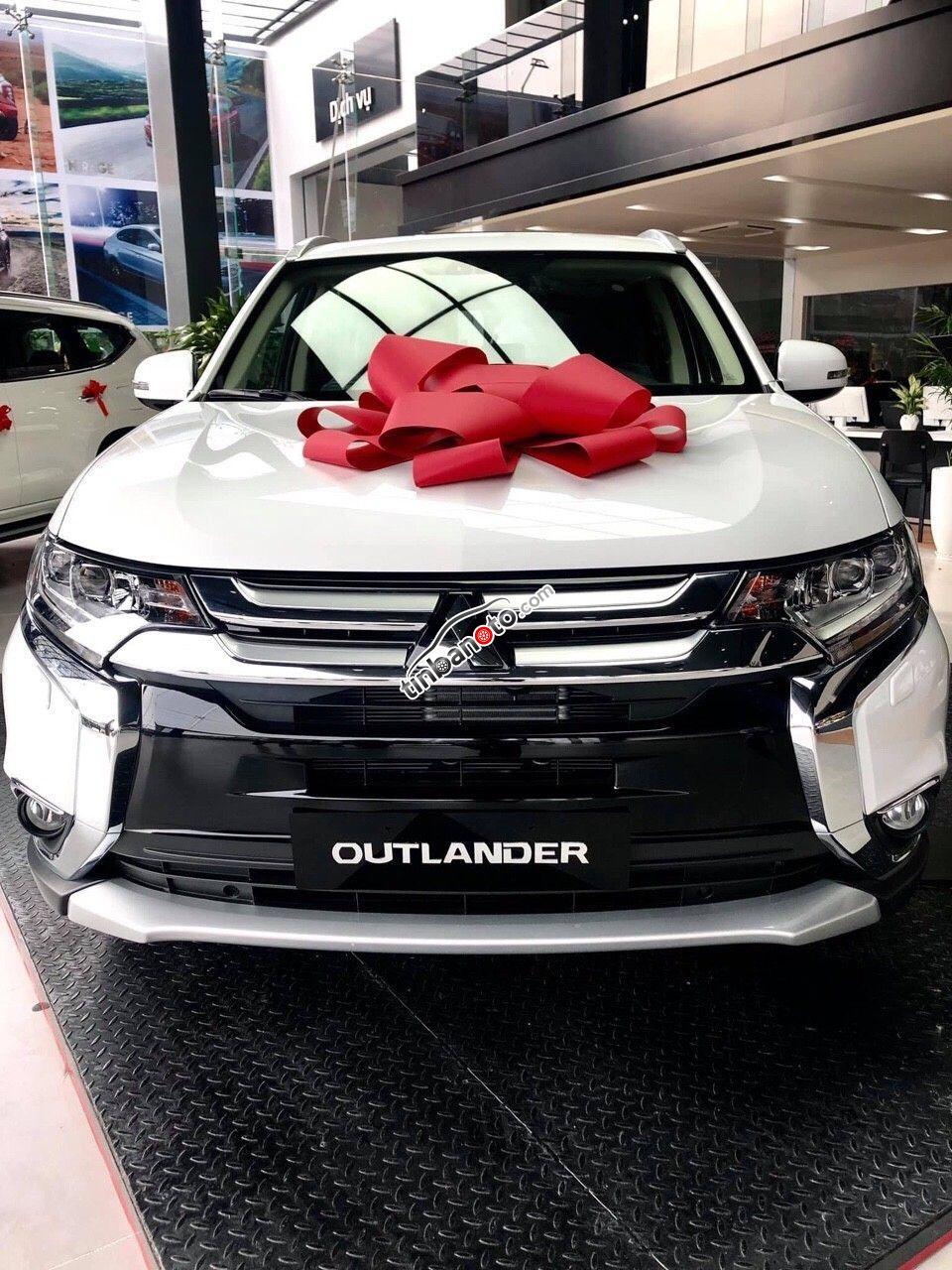 ban oto Lap rap trong nuoc Mitsubishi Outlander  2019